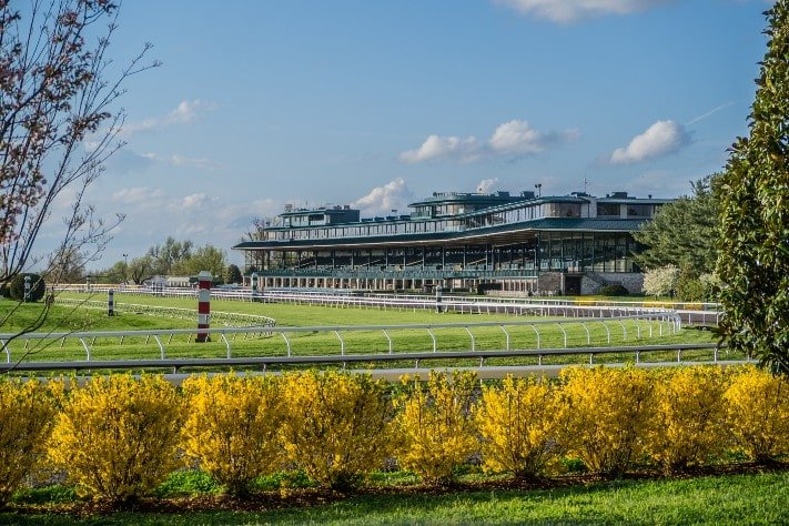 keeneland racetrack and equestrian training facility in lexington, ky